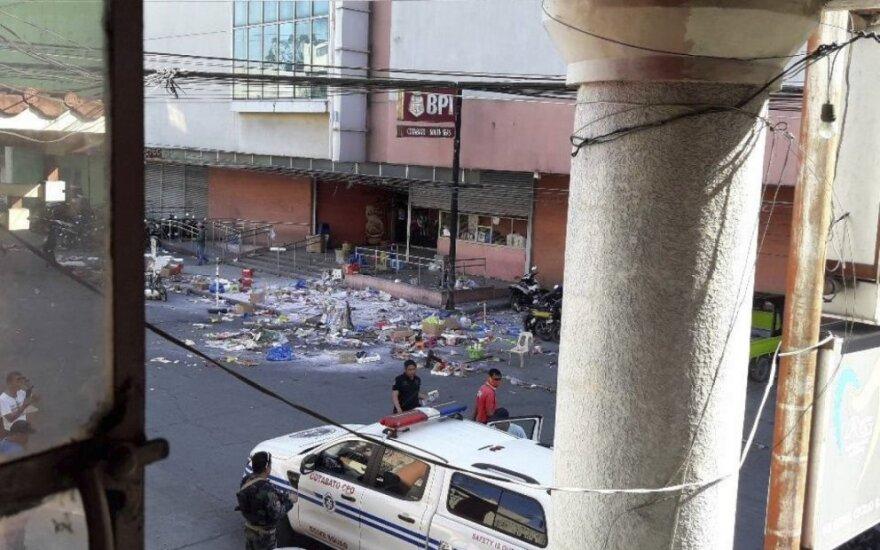 Filipinuose per sprogimą prekybos centre žuvo du žmonės, dar buvo 21 sužeistas