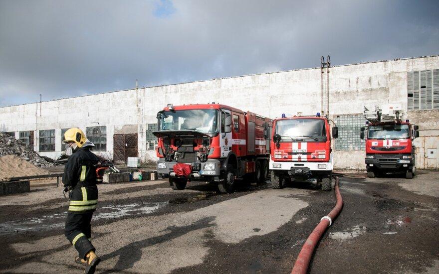 Patikrino Alytaus gaisrą gesinusių ugniagesių sveikatą: sutrikimų turi 7 iš 10-ies, mėginius siųs į užsienį