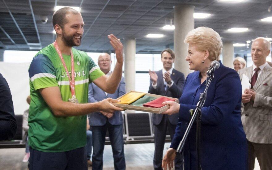 Prezidentė sutiko Kurčiųjų olimpiadoje pergalingai pasirodžiusią šalies rinktinę