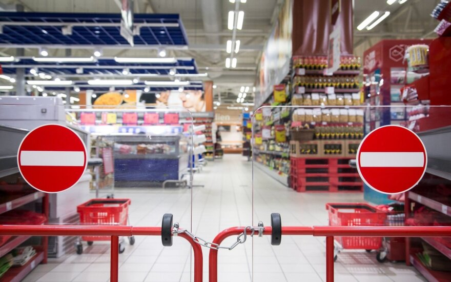 Aktualu: kaip parduotuvės ir didieji prekybos centrai dirbs per šventes