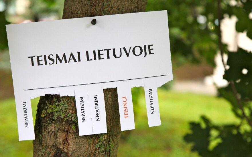 """Teismo vertėjai – tarpininkai tarp teisės ir """"žmonių"""" kalbos"""