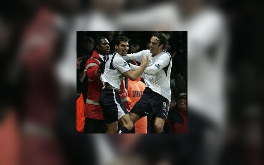 """Paulas Stalteri ir Dimitaras Berbatovas (""""Tottenham Hotspur"""") džiaugiasi įvarčiu"""