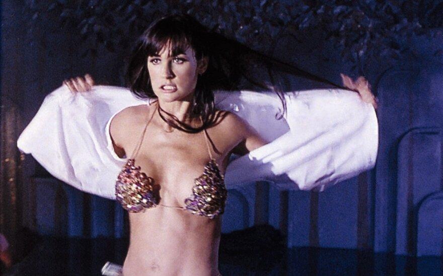 """Demi Moore 1996 m. filme """"Striptizas"""""""