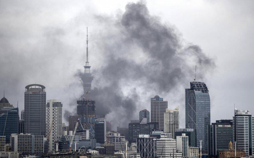 Ne tik Alytus: Naujosios Zelandijos Oklandą apgaubė didelio gaisro dūmai