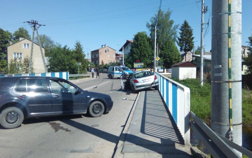 Dar viena nelaimė kelyje: Lenkijos piliečio sukeltoje avarijoje stipriai sužalotos dvi lietuvės