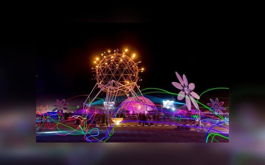 """Ankstesnių """"Burning Man"""" festivalių įspūdžiai"""