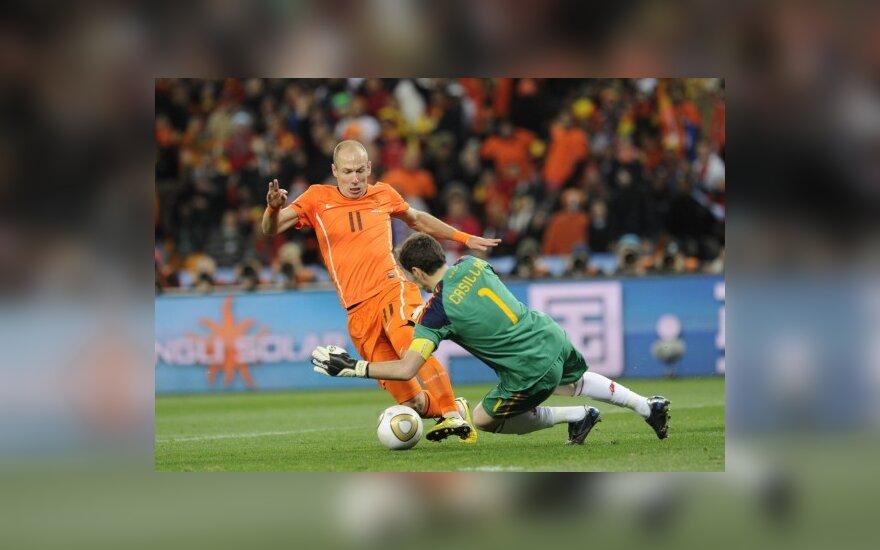 Arjenas Robbenas neišnaudojo progos