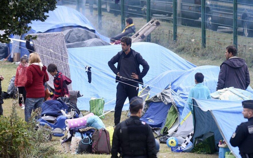 Prancūzų policija iškėlė 500 migrantų iš stovyklos Paryžiaus šiaurės rytuose