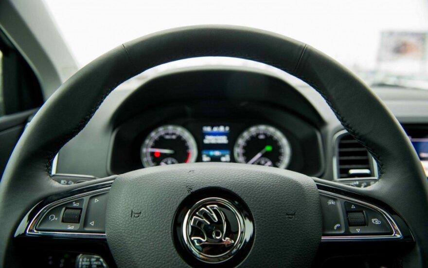"""""""Škoda"""" darbuotojai sutiko su pasiūlymu 12 proc. kelti algas"""