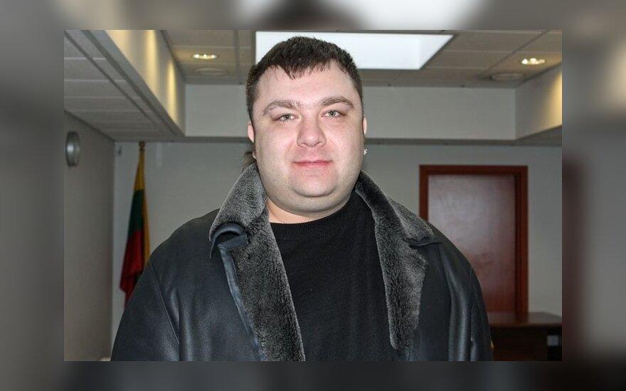 Dar vieną baudą gavęs E. Ostapenka: taip pareigūnai man kerštauja už kritiką
