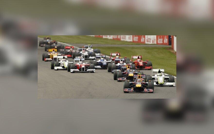 """""""Formulės-1""""  automobiliai"""