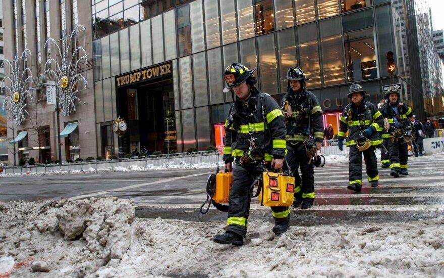 Gaisras Trumpo dangoraižyje nusinešė vieną gyvybę, dar keturi žmonės sužeisti