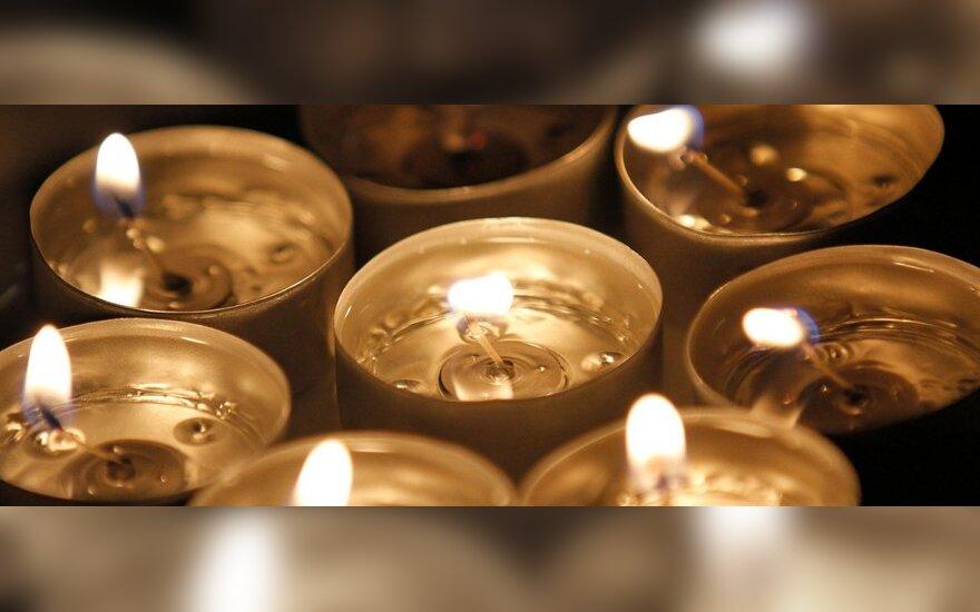 Žvakės mirusiam pagerbti