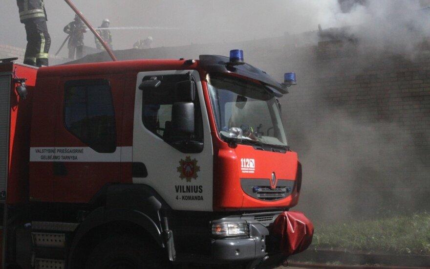 Vilniuje gaisras kilo buvusiame mėsos kombinate