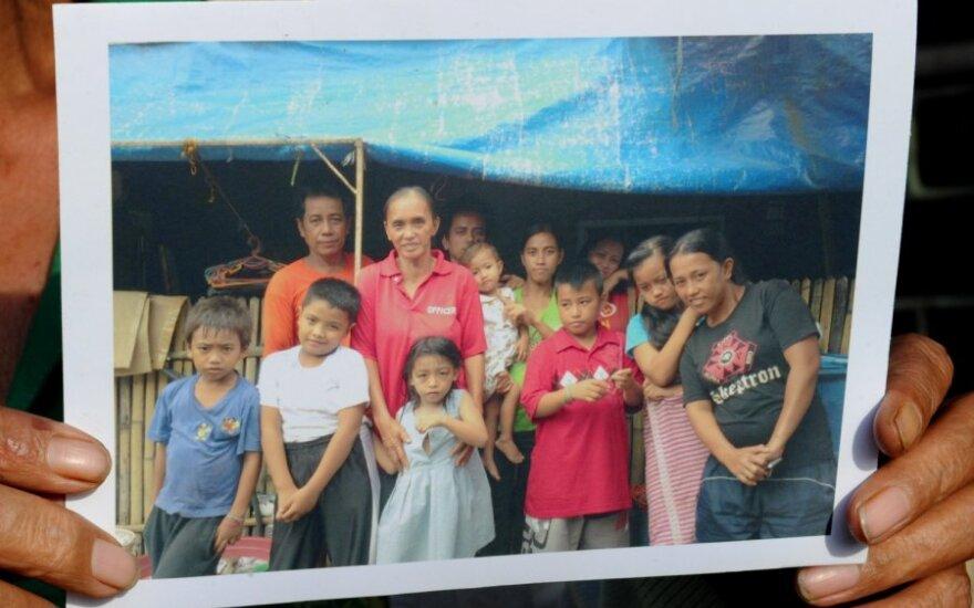 22 vaikus pagimdžiusi Rosalie Cabenan su šeima