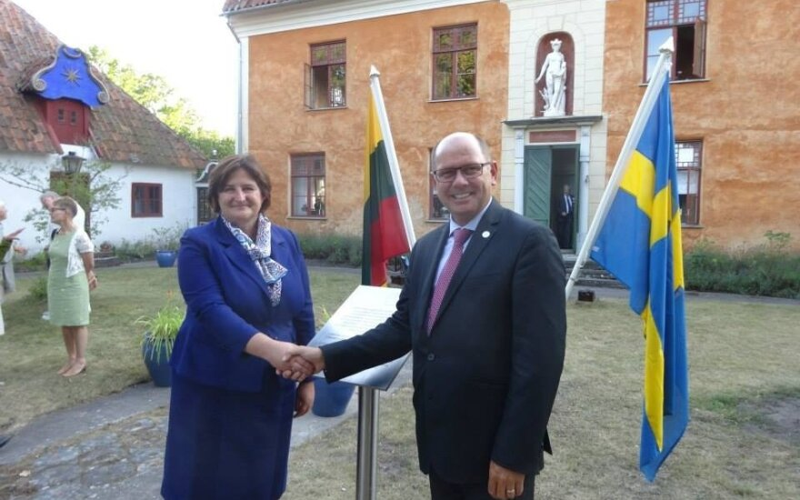 Chairwoman of the Lithuanian Parliament Loreta Graužinienė and the Chairman of the Swedish Riksdag Urban Ahlin at the ceremony