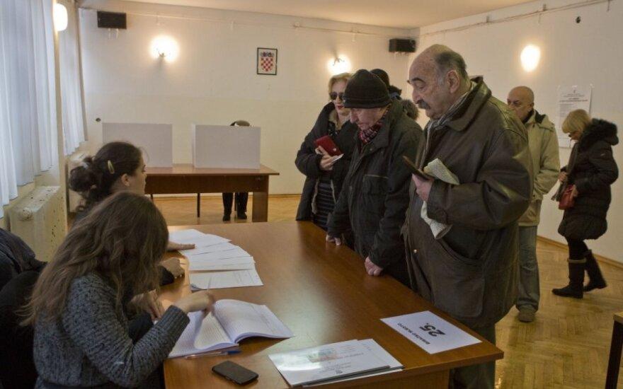 Kroatai balsuoja ekonominės krizės temdomuose prezidento rinkimuose