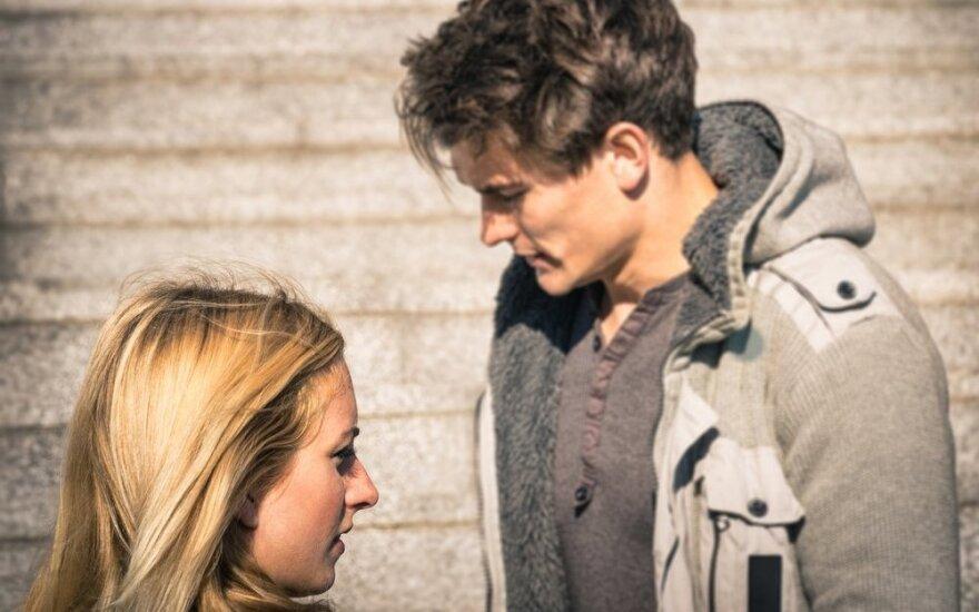 Kaip išgelbėti santykius, jei jis nustojo rodyti dėmesį, išblėso aistra?