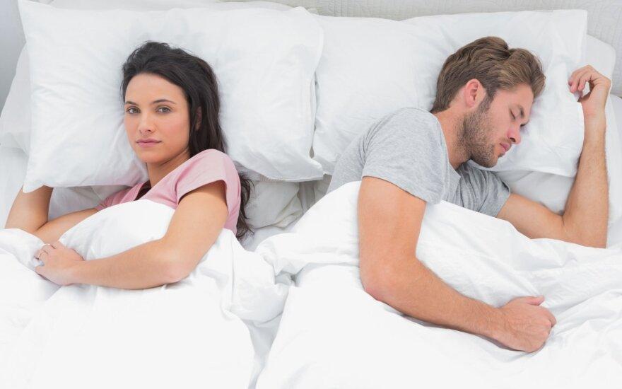 Ekspertė aiškina, kokie ženklai liudija blėstančius partnerio jausmus ir kodėl mažiau sekso – ne tokia didelė blogybė