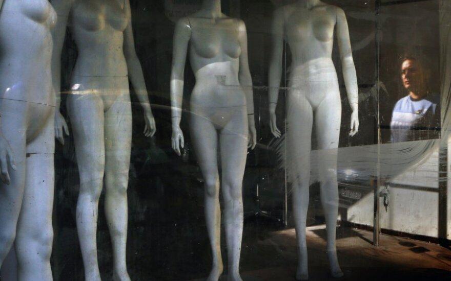 Manekenai, drabužių parduotuvė