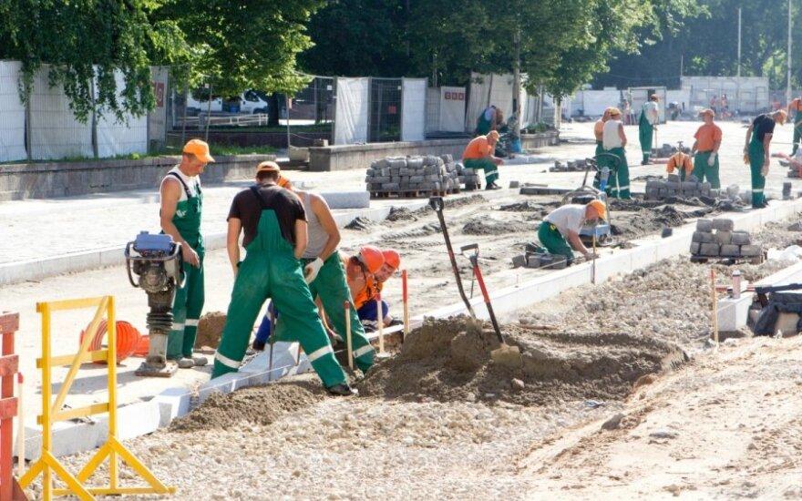 Panika Lietuvos pirmininkavimui ES dar neprasidėjus: išardyti šaligatviai ir tautinė saviplaka