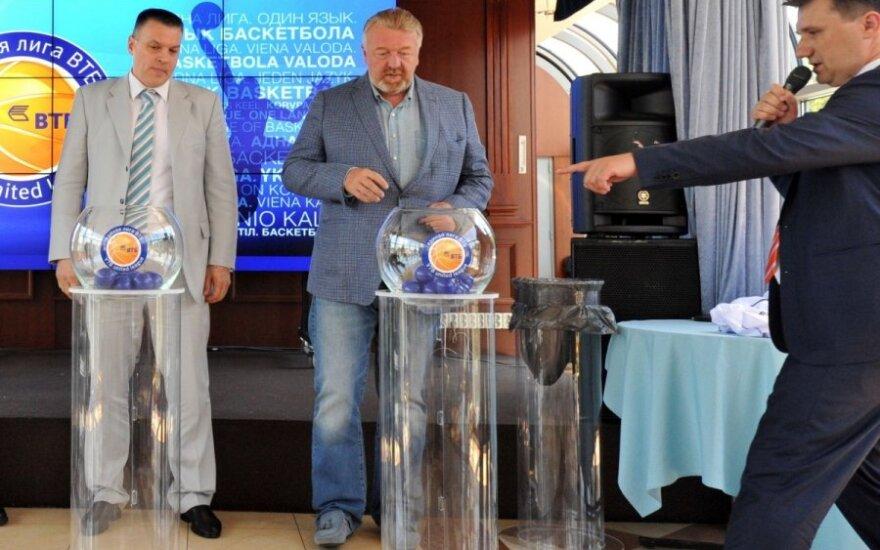 Andrejus Širokovas (dešinėje)
