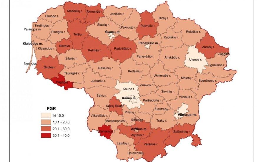 """Žemėlapis """"Gimdymo paauglystėje raida ir teritorinė diferenciacija Lietuvoje"""" (V. Tretjakovos nuotr.)"""