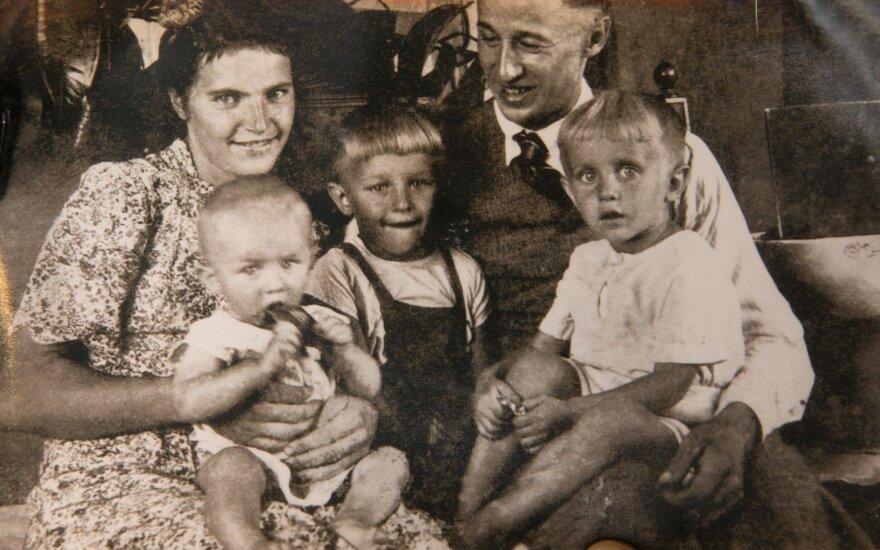 Jonas ir Aleksandra Lebrikai per 1947 m. Velykas