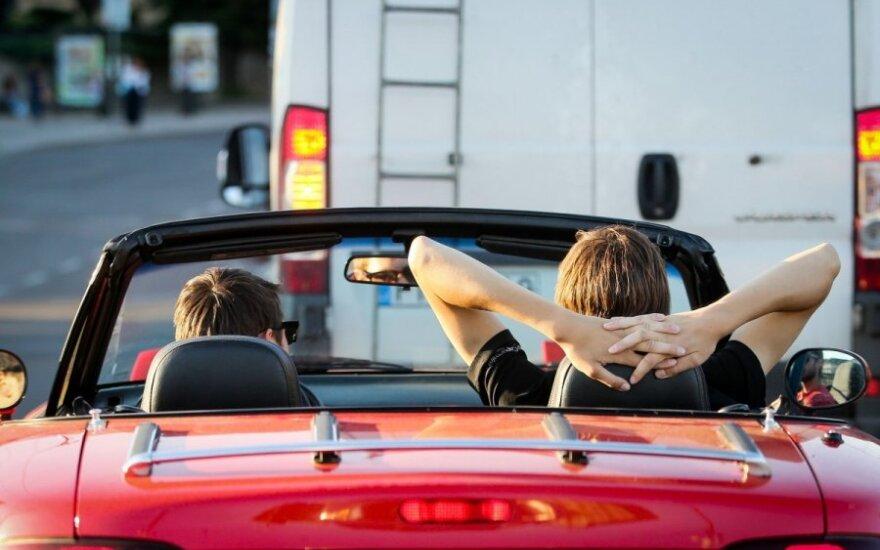 Kaip saugoti sveikatą ir automobilį karščiams prasidėjus?