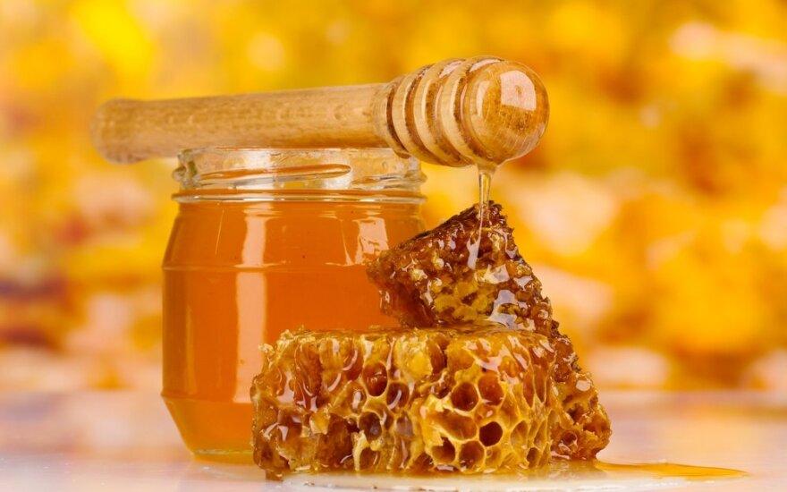 Dietologė: kaip vartoti medų, kad sau nepakenktume ir gautume maksimalią naudą