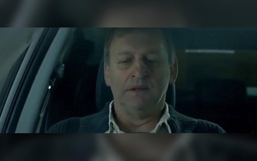 """""""Hyundai"""" – nemalonumai dėl """"savižudiškos"""" reklamos"""