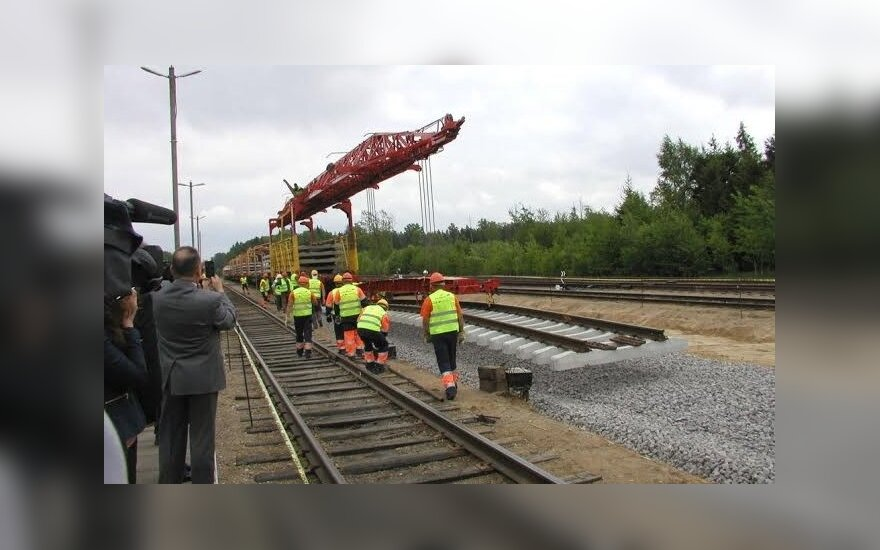 """Tiesiant """"Rail Baltica"""", prireiks bent 1000 inžinierių"""