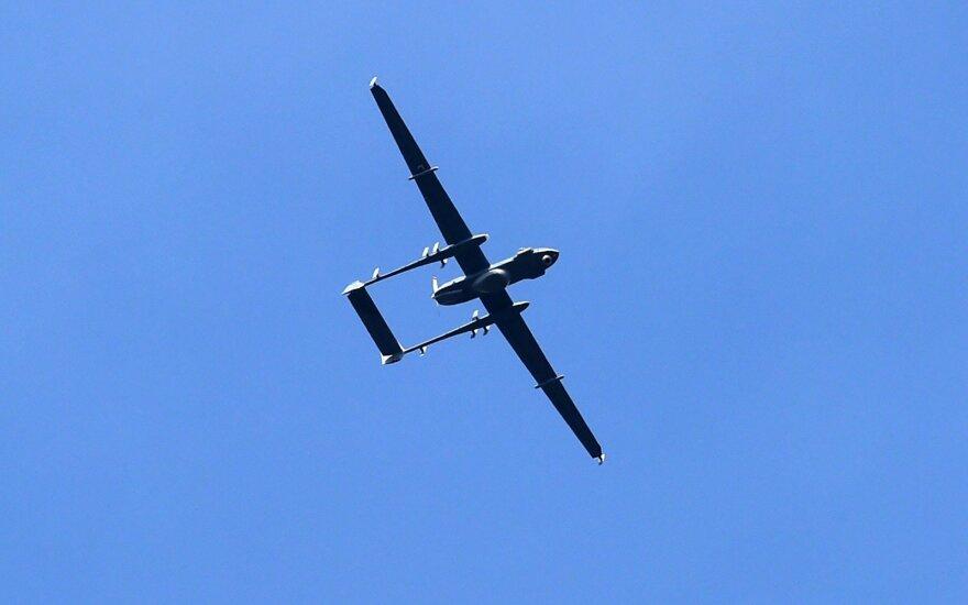 karinis dronas