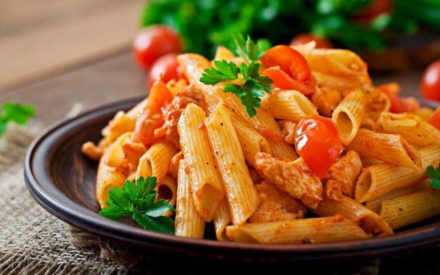 Autentiškų itališkų makaronų – į restoraną, kur vakarienė tiekiama net vonioje