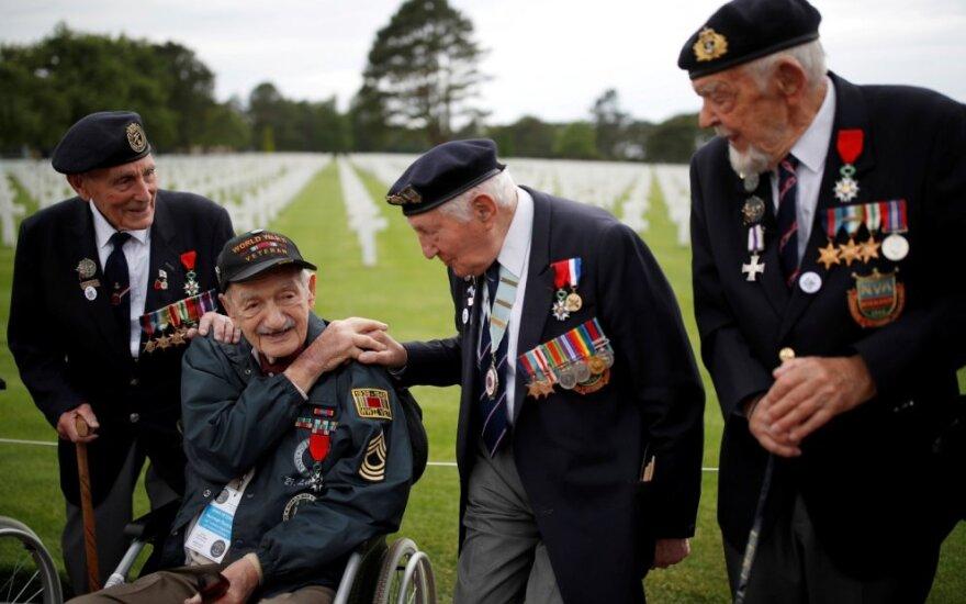 Pasaulio lyderiai ir veteranai mini sąjungininkų pajėgų išsilaipinimo Normandijoje metines