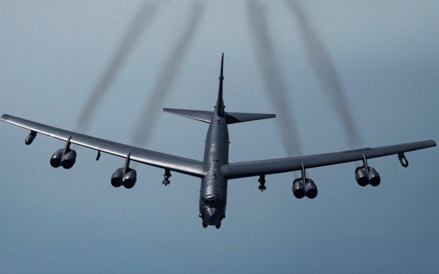"Bombonešis ""B-52H Stratofortress"""