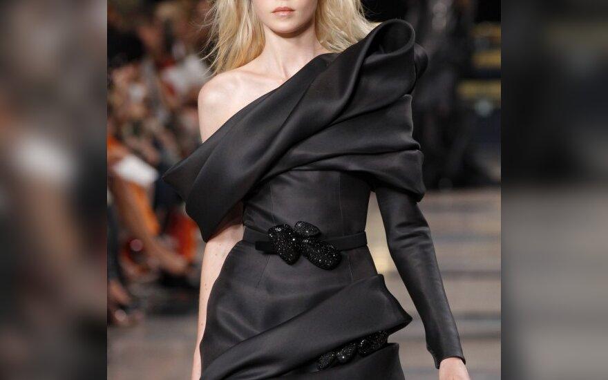 Modelis iš Stephane Rolland 2010-2011 m. rudens-žiemos kolekcijos