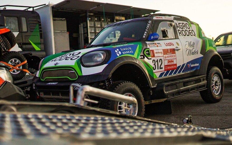 Lietuviška Dakaro ralio technika iškeliavo į Marselio uostą