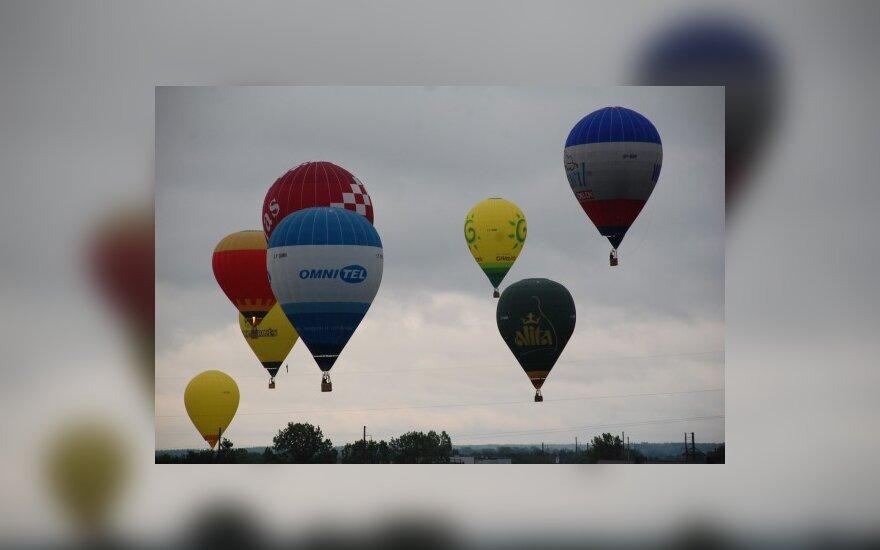 Šalies oro balionų čempionatuose triumfavo V.Junevičius ir D.Rakauskaitė