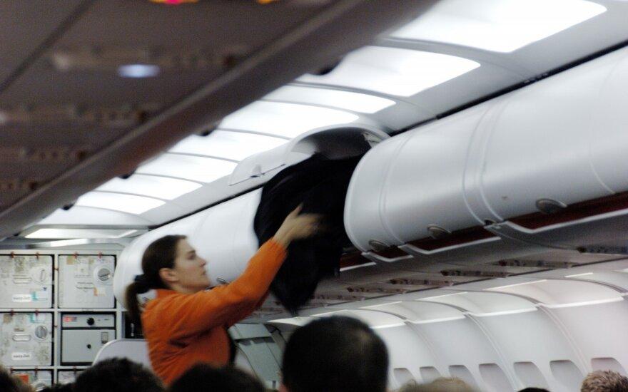 """""""United Airlines"""" lėktuve – tragiškas incidentas"""