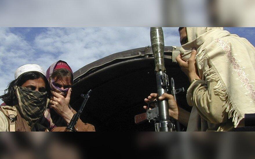 NATO: JAV nepasiruošusios tiesioginėms deryboms su Talibanu