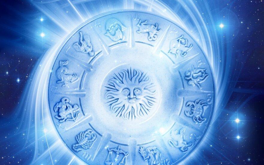 Astrologės Lolitos prognozė spalio 8 d.: patartina būti atsargesniems