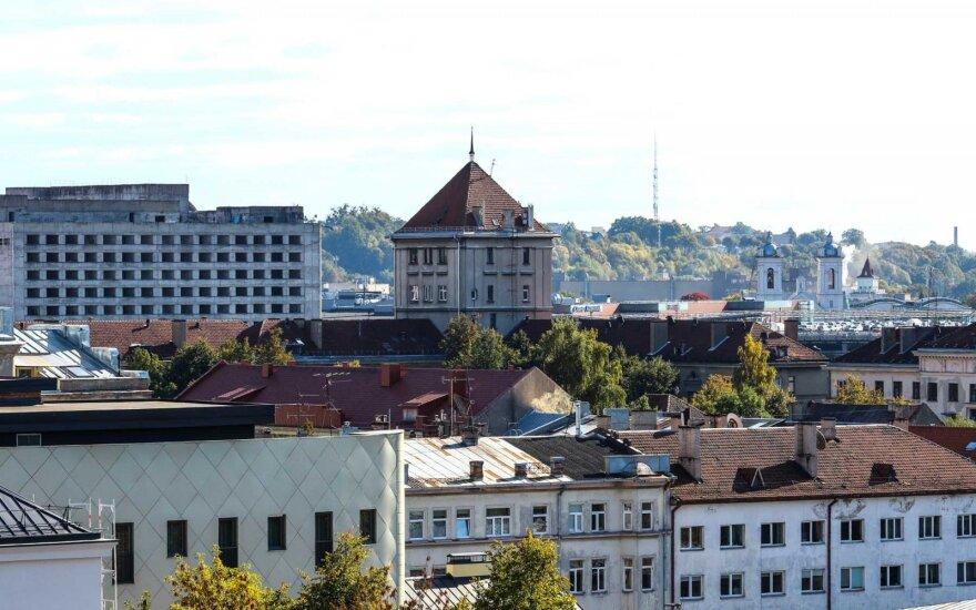 """Kauno savivaldybė ruošiasi nukelti ir parduoti liūdnai pagarsėjusį """"Auksinį tualetą"""""""