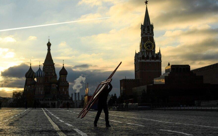 Rusijos reakcija į Baltijos šalių protestus: saliutai vyks mūsų teritorijoje, nenurodinėkite