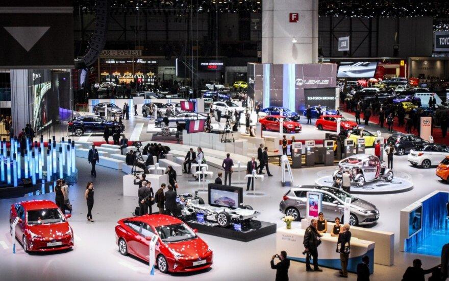 Automobilių gamintojai nerimauja dėl stiprinamos ES pasienio kontrolės