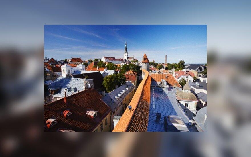 Estijos teismas leido suimti sukčiavimu įtariamus tris policininkais apsimetinėjusius Lietuvos piliečius