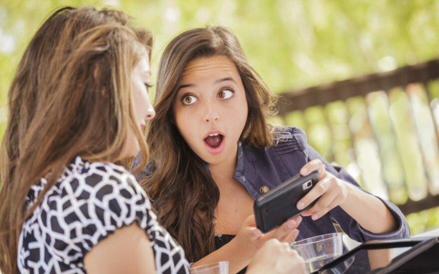 merginos, telefonas, sms