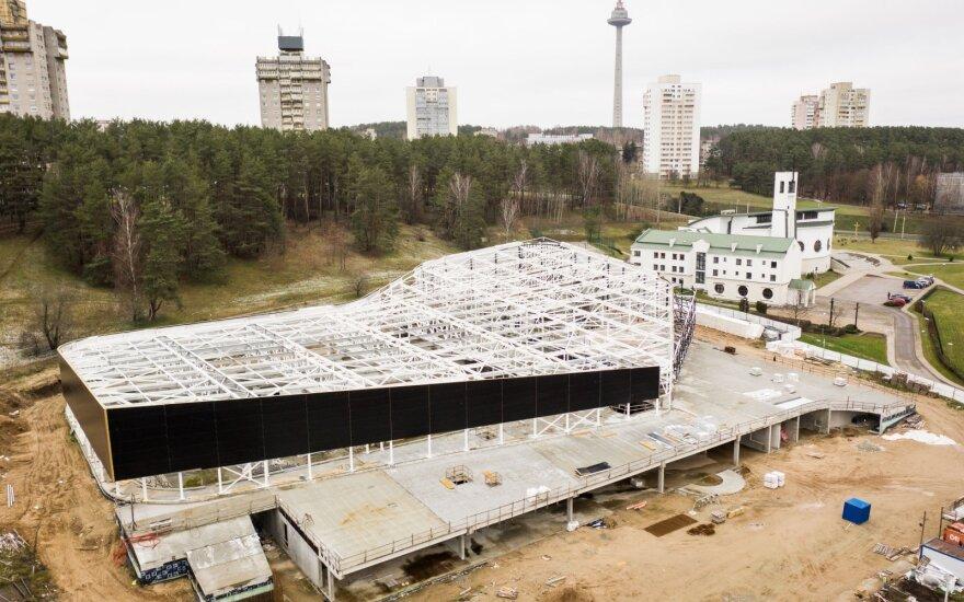Lazdynų baseino statybos stoja: savivaldybė skelbs naują konkursą