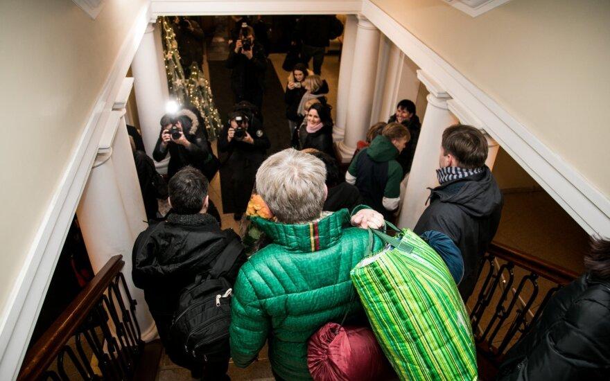 Vilniuje prie ministerijos piketuojantys pedagogai: mums nori nenori reikia 118 milijonų eurų