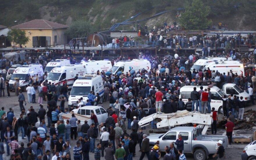 Po sprogimo Turkijoje – karštligiškos žmonių paieškos